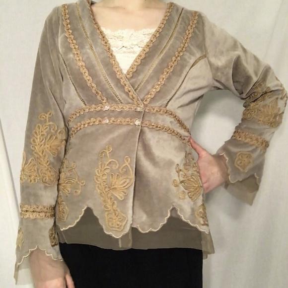 Nataya Jackets & Blazers - Nataya Vintage Velvet Jacket EUC